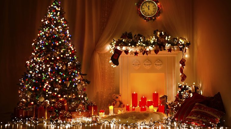 sapin-noel-decoration-guirlande-cadeaux