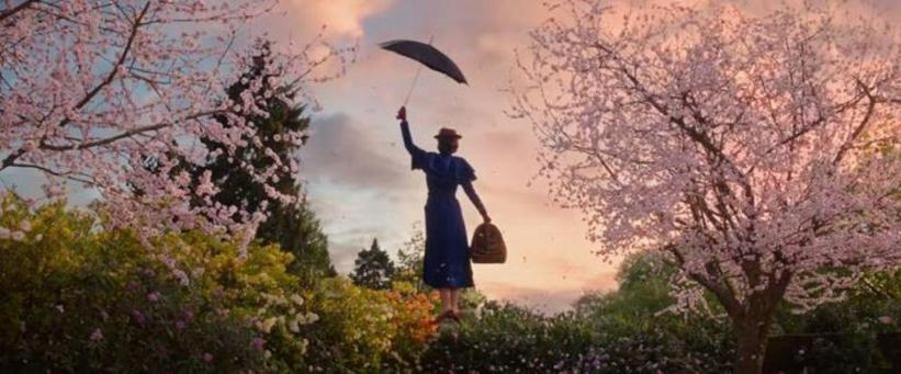 Mary Poppins dans les airs